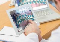 デジタル矯正システムのソフトウェアは、タブレット上でも快適に動作します。