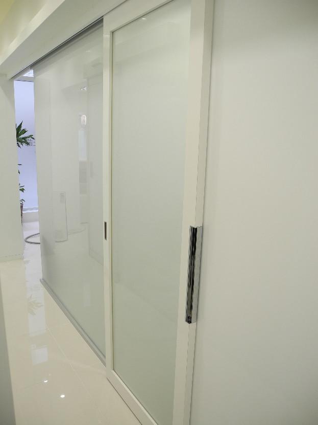スライド式のドア