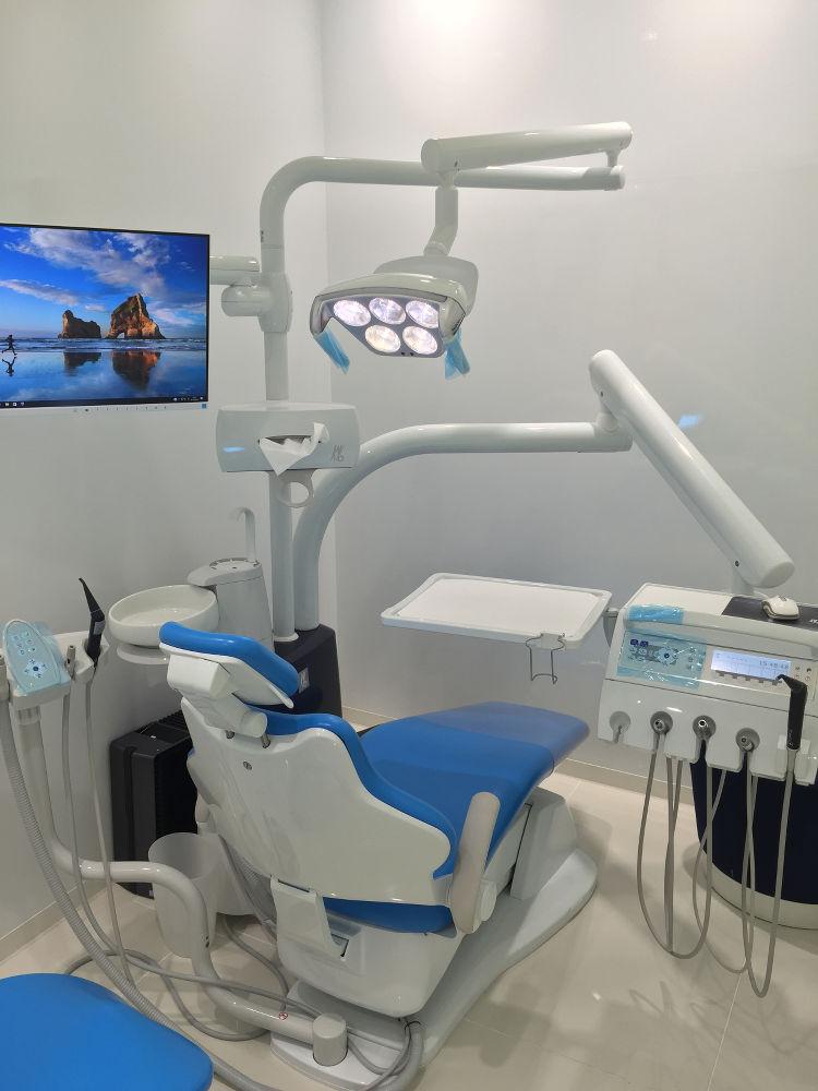 新しく導入した歯科用ユニット Kavo社製 ESTETICA E50